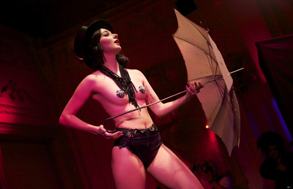 Review: World Burlesque Games: Best World Newcomer