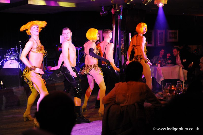 cabaretfloridita-globegirls-yellowwigs-by_indigoplum