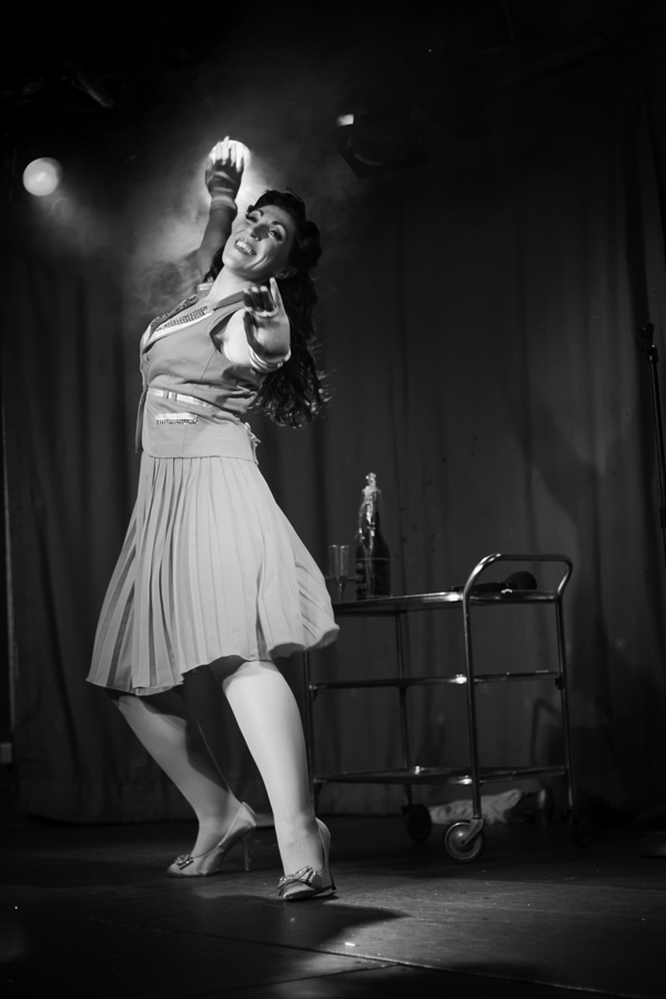 cheekofit-5thbirthdayrevue-lolalarouge-teasyjet-bw-by_tigzrice