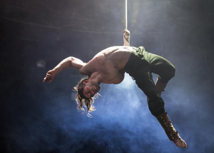 Bianco by No Fit Circus continues until 27 April.