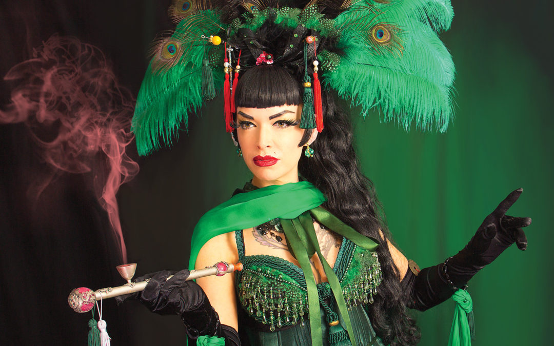 Book Review: Burlesque Beauty.