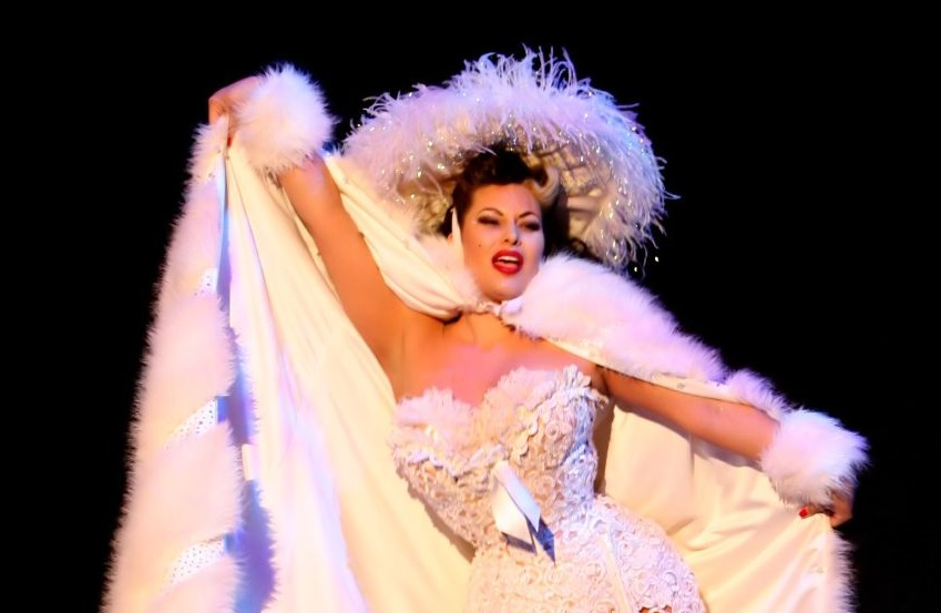 Burlesque Queen Immodesty Blaize Returns For Icon!