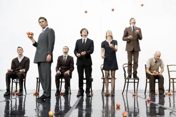 Get a free juggling lesson then get Smashed with the Gandini Jugglers next week.