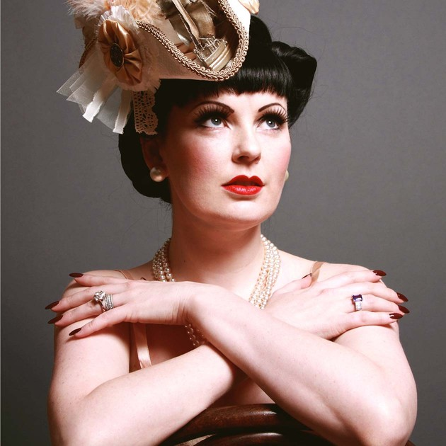 Review: Lili La Scala's Siren
