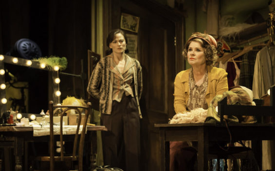 Lara Pulver as Gypsy Rose Lee (l) with Momma Rose (Imelda Staunton). Image: Johan Persson