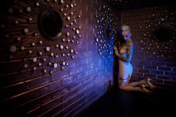 Chi Chi Revolver for the All Nude Cabaret Calendar 2016. Photo by Sin Bozkurt©