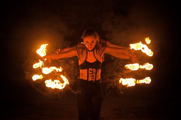 Review: Becoming Shades, Vaults Festival